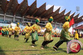 Peringatan Hari Pahlawan diwarnai tarian kolosal Malahayati