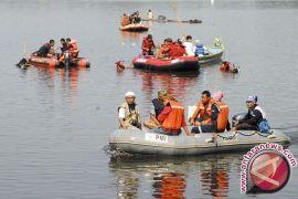 Tim SAR cari terus balita hilang terseret banjir
