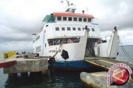 KMP Teluk Sinabang rusak di Simeulue