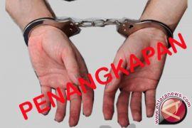 Seorang pencuri sepmor ditangkap warga