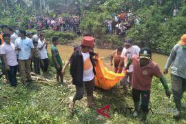 Polisi periksa saksi kematian wanita di sungai