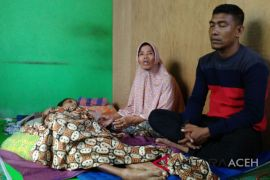 Remaja lumpuh layu Banda Aceh butuh bantuan