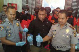 Polisi Aceh Barat sita 500 liter miras oplosan