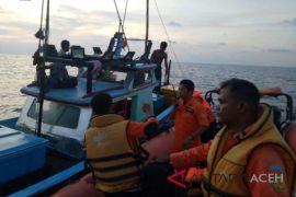 SAR Banda Aceh evakuasi 24 nelayan korban kapal karam