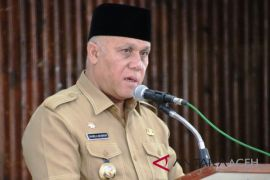 Bupati Aceh Tengah salurkan bantuan