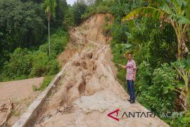 Proyek jalan di Aceh Selatan tak bisa dimanfaatkan
