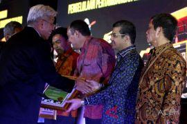 Semen Indonesia Terima Penghargaan Peringkat