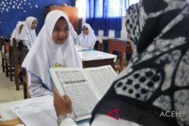 Ratusan calon pelajar SMA uji baca Al Quran