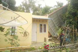 Satu rumah di Aceh Utara rusak diterpa angin kencang
