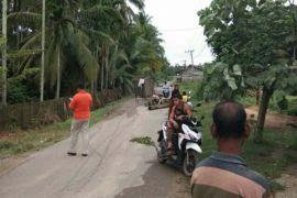 Warga Aceh Utara blokir jalan