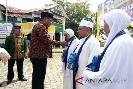 Bupati Aceh Singkil lepas keberangkatan JCH