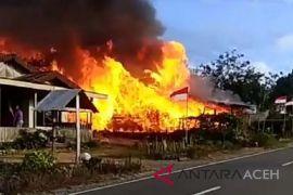 Tiga unit rumah hangus terbakar di Aceh Tengah