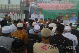 Guru pesantren Aceh Barat mengajar sekolah umum