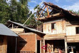 Angin kencang terjang 27 rumah di Pidie
