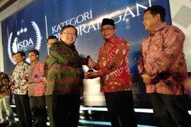 Bupati Aceh barat raih ISDA 2018