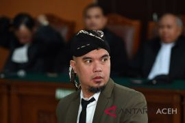 Ahmad Dhani harap jaksa beri kepastian hukum
