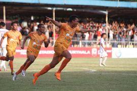 Persiraja bungkam Persita dua gol tanpa balas