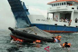 Tim SAR simulasi kebakaran di laut Aceh