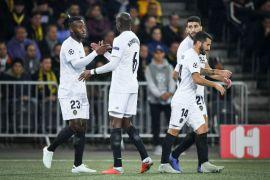 Valencia melaju ke 16 besar Piala Raja