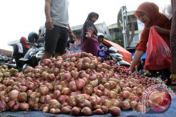 Bawang merah lokal rajai pasar di Lhokseumawe