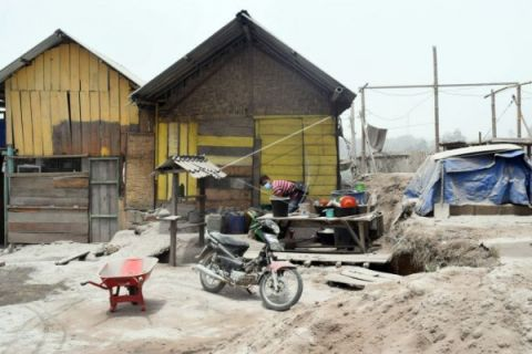 Warga Aceh tenggara butuhkan masker sinabung