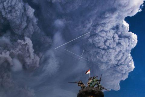 Wilayah bukit Gayo Lues tertutup debu vulkanik