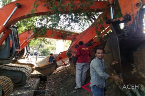 Polda Aceh tangkap empat tersangka tambang ilegal