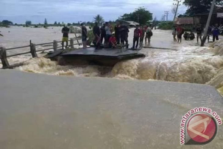 Banjir dan longsor landa Aceh Jaya