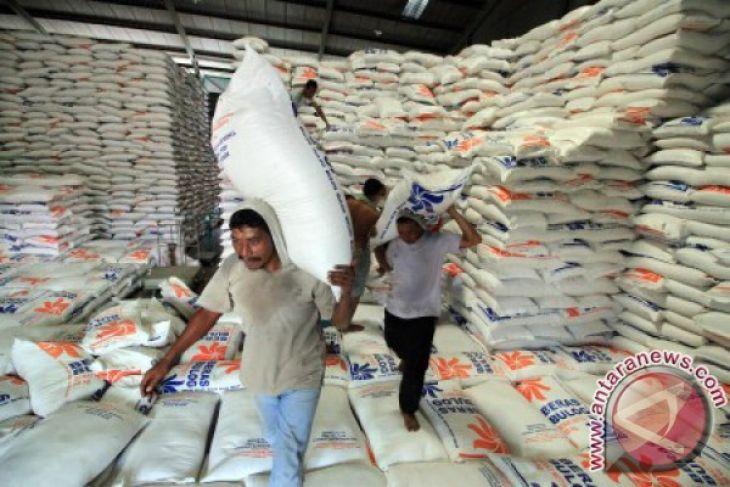 Bulog beli beras sesuai harga pemerintah