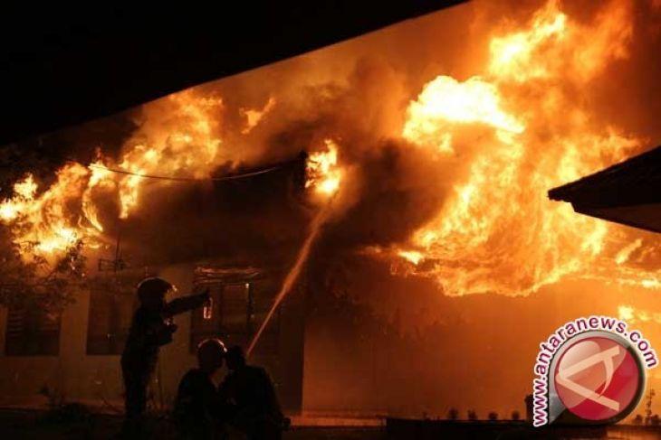 Rumah penyimpanan BBM di Banda Aceh terbakar