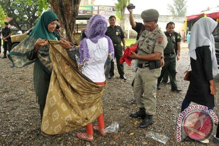 Wilayatul Hisbah melibatkan TNI/Polri razia busana
