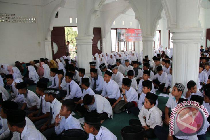 Santri dayah di Aceh Tengah ikuti sosialisasi bahaya narkoba