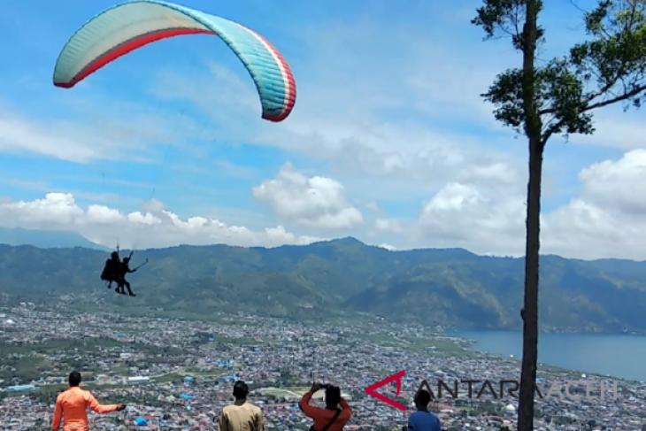 Paralayang antara olahraga dan wisata Aceh Tengah
