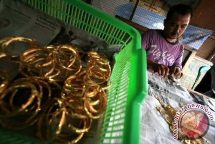 Polisi tangkap dua pencuri 550 mayam emas