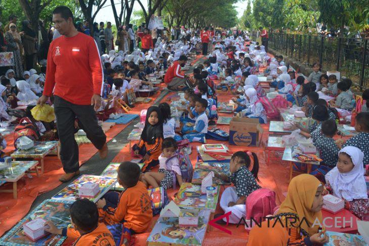 Ratusan anak Abdya lomba warnai foto pejuang