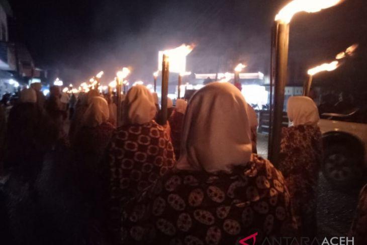 Sambut Tahun Baru Islam masyarakat pawai obor