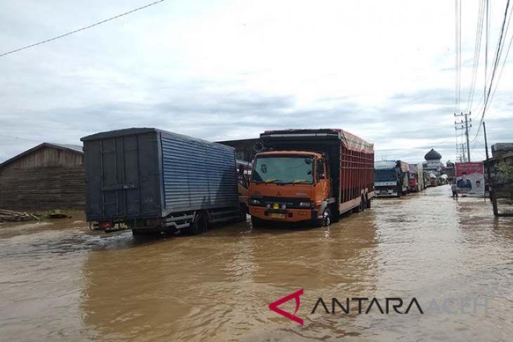 Jalan Meulaboh-Tangse terputus akibat banjir