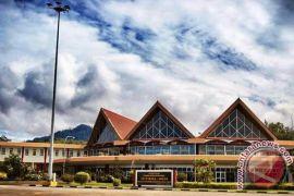 Jumlah penumpang di bandara Pattimura naik 2,55 persen