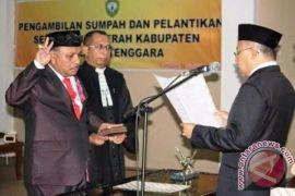 Petrus Beruatwarin Dilantik Menjadi Sekda Maluku Tenggara
