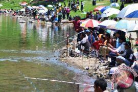 Pemprov Gelar Turnamen Mancing di Dua Kabupaten