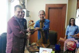 Pemprov Maluku-USAID Kerja Sama Penyehatan Lingkungan