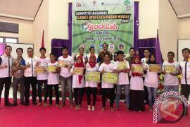 Ardani Waemase Juara Kompetisi Games Investasi