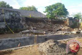 TNI-masyarakat bersihkan Fort Oranje