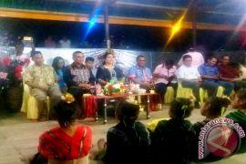 Bupati MTB Silaturahmi Bersama Warganya di Tual