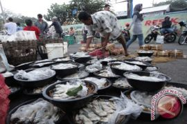 Harga ikan dan telur naik