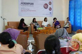 Kaum perempuan di Ambon diskusikan Ina Ata