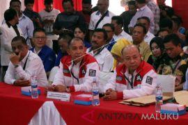 Pasangan Santun mendaftar  di KPU Maluku