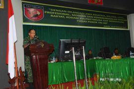 Kasdam Tutup Rapim TNI 2018 di Ambon