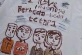 Anak-anak Ambon gambar toleransi untuk amal