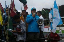 Pemuda di Ambon kecam aksi teror bom